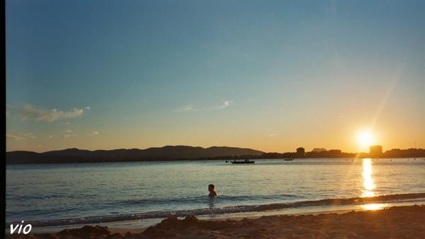Coucher de soleil sur la plage de Saint Raphaël