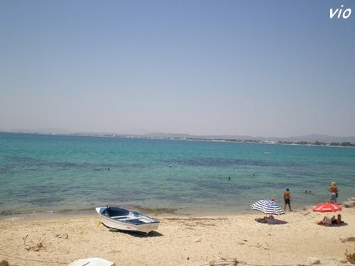 L'eau translucide et turquoise baigne la Médina