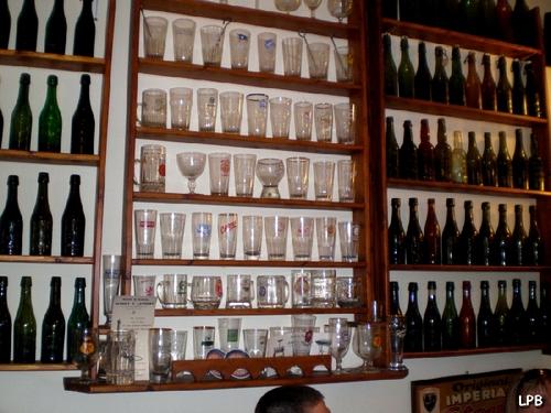 Toujours des verres et des bouteilles !