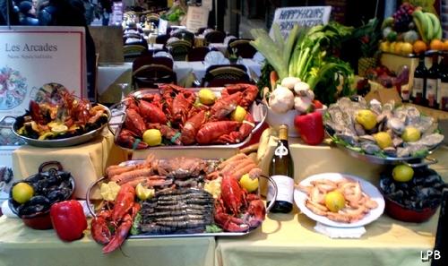 Restaurants de Crustacés du côté des Galeries Royales ST Hubert - Rue(lle) des Bouchers, rue des restos touristiques