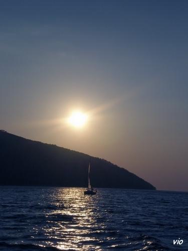 Ile de Hvar au milieu de l'Adriatique