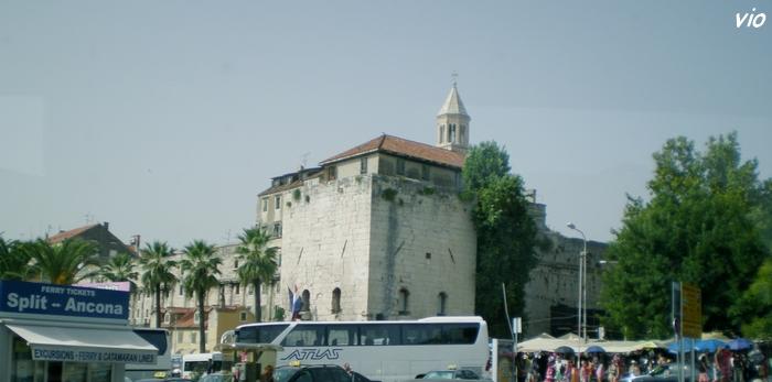 La grande muraille du palais de Dioclétien
