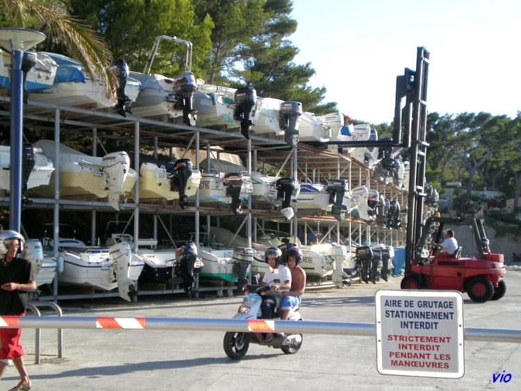 La Madrague - parking à bateaux