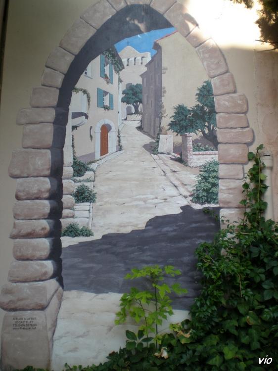 Trompe l'oeil créé par Albert Weber, artiste peintre décorateur, dont la galerie d'art se trouve au Castellet