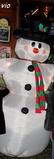 Bonhomme de neige géant à Riquewihr