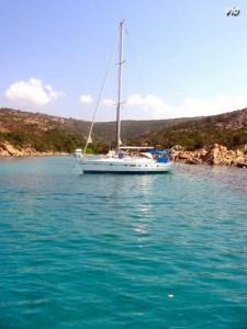 Le tour de l'ile en bateau, une autre façon de visiter la Corse, et accès garanti dans les magnifiques criques inaccessible à pieds ou en voiture !