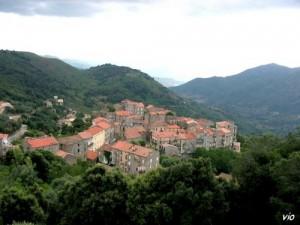 Santa Lucia di Taliano, charmant petit village dans l' Alta Rocca (Corse du sud)