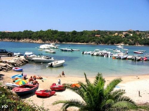 Le tout petit port de Tizzano (Corse du Sud)