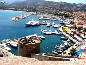 Le port de Calvi, vu de la citadelle (Haute Corse)