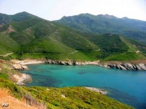 Une crique entre Saint Florent et Nonza ... (Haute Corse)