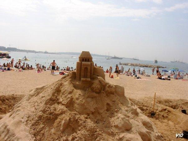 Cannes - concours de sculpture sur sable durant le festival