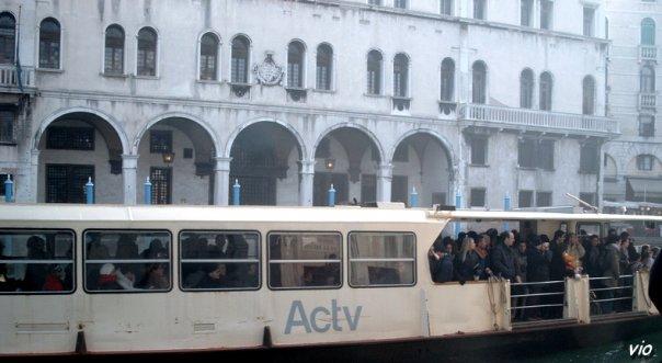 Le Vaporetto est un type d'embarcation utilisé essentiellement à Venise en Italie.