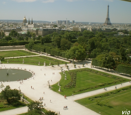 Jardin des Tuileries - Vue de la grande roue sur la Tour Eiffel et le Dôme des Invalides