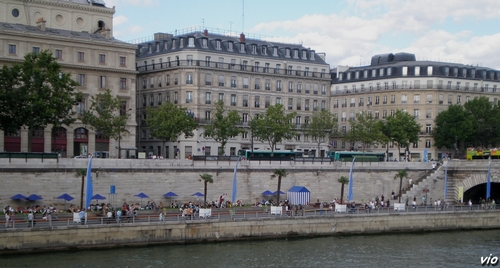 Paris-plage sur les bords de Seine