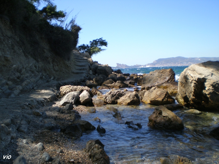 Le magnifique sentier du littoral qui relie St Cyr à Bandol