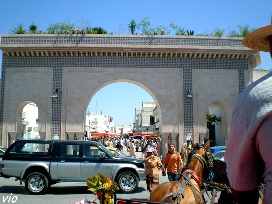L'entrée principale du souk de Nabeul