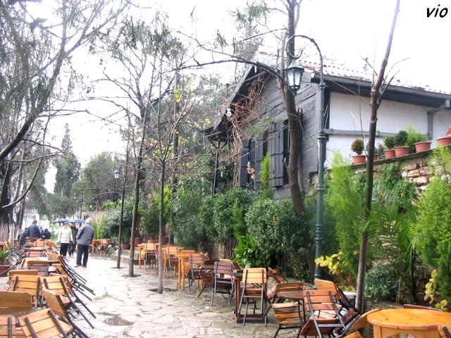Café Pierre Loti et sa terrasse surplombant la Corne d'Or
