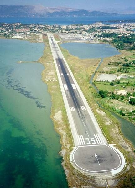 corfou airport