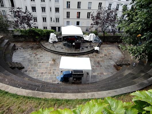 Montmartre la place du tertre alentours rue du s jour - Les jardins de montmartre ...