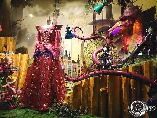 du siècle aux Galeries Lafayette  les Princesses Disney  Rue du  ~ Rue De La Belle Au Bois Dormant