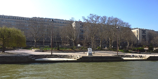 Croisi re fluviale paris le retour rue du s jour for Le jardin tino rossi