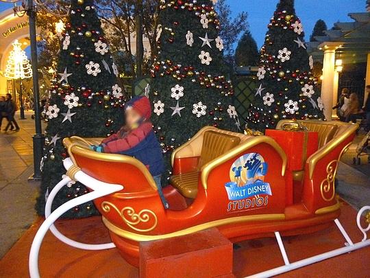 Image De Noel Walt Disney.O Noel 2013 Les Decos Aux Walt Disney Studios Rue Du
